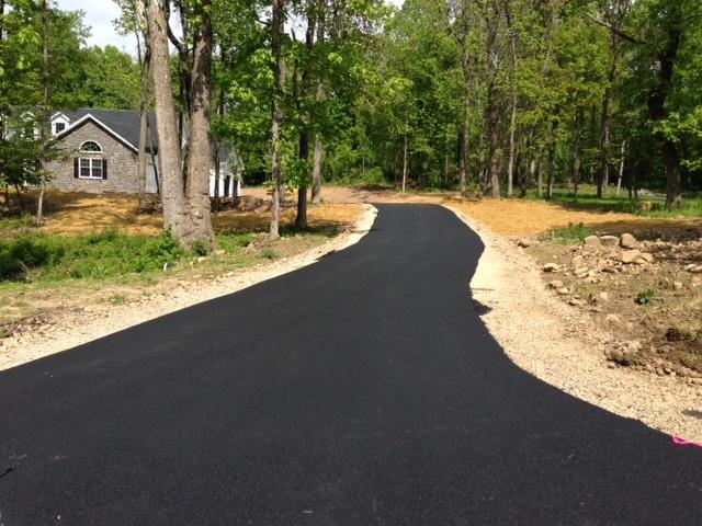 blacktop paving a driveway in mechanicsburg pa
