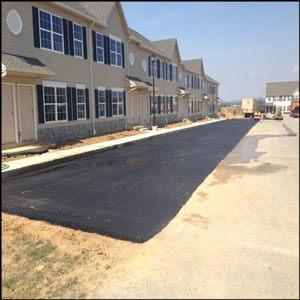 commercial-asphalt-paving-at-apartment-complex