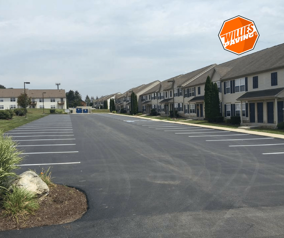 parking lot line striping and  new cumberland Paving