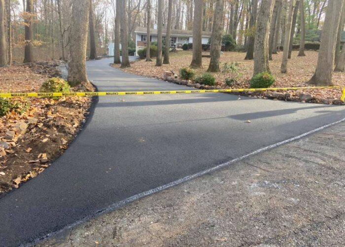 residential asphalt paving for driveway sealcoating
